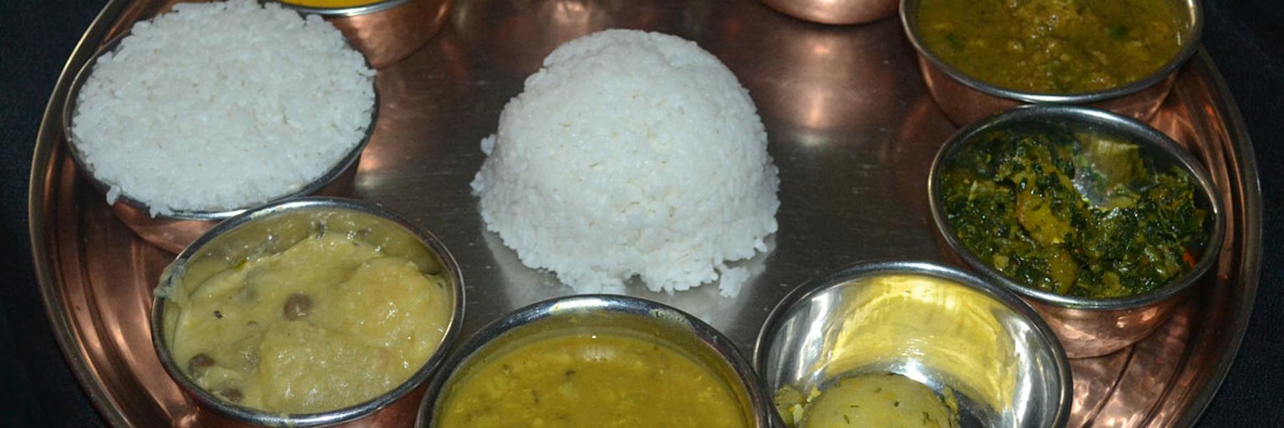 1200px-Assamese_thali
