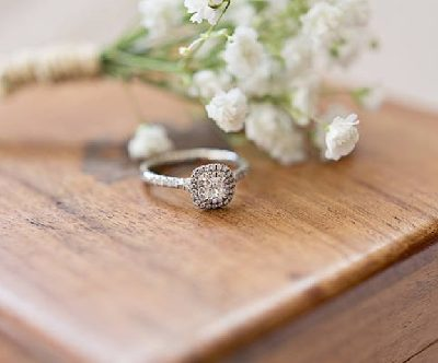 6 Ways to Make an Engagement Ring Unique