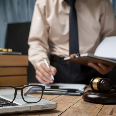 How To Choose An Attorney To Help With A Workers' Compensation Claim