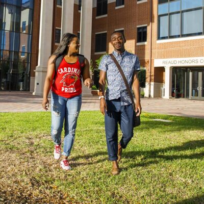 5 Benefits of Going to College