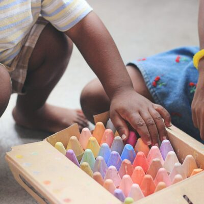 How to Encourage Positive Behaviour While Playing with Other Children